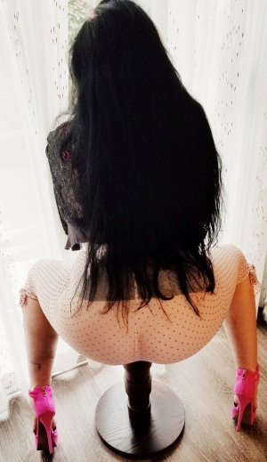 Chefia escort girl