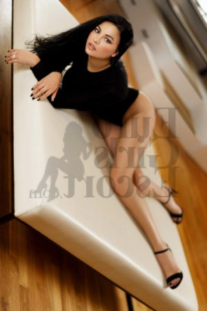 Aljia escort in Hailey ID