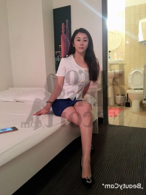 Nasreen escort girl