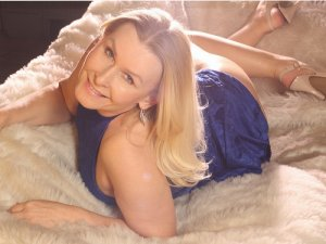 Cyprine escort girl in Arcadia CA